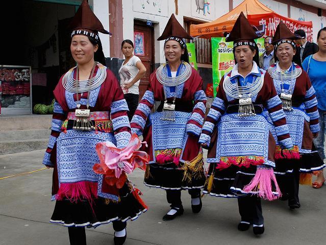 women-dance
